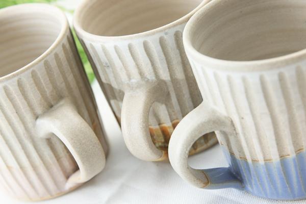 【益子焼】釉シリーズしのぎ&真っ直ぐなシンプル形の白マットマグカップ【サイズ小・単品1個】