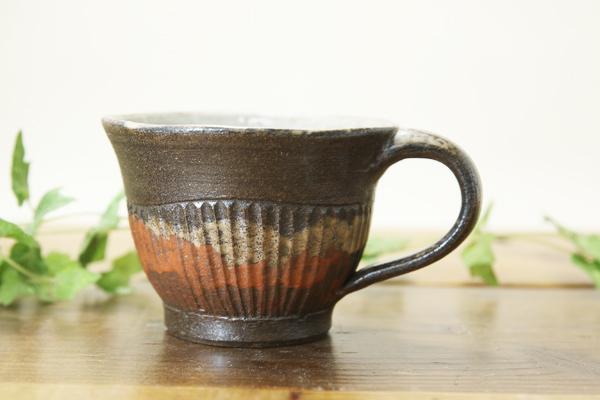 【益子焼】渋さ落ち着きのある風合い 茶白しのぎ 開いた形のスープマグカップ【単品1個】