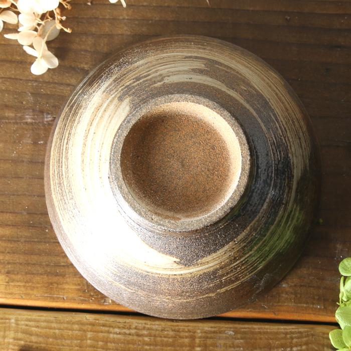 【益子焼】 炭化焼 渋い刷毛目の大きめごはん茶碗 ご飯茶碗 飯椀 お茶碗 お茶漬け茶碗【単品1個】