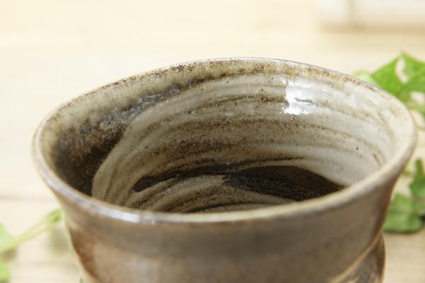 【益子焼】品のある高台付き夫婦フリーカップ【刷毛目削り模様】