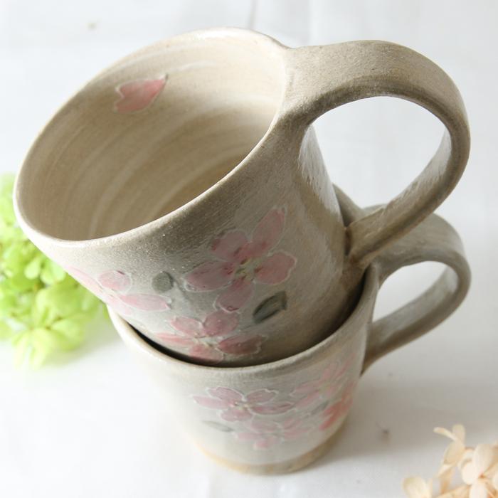 【益子焼】 優しい風合い いっちん桜さくら たっぷりサイズのマグカップ 薄刷毛目ベージュ 釉薬シリーズ 【単品1個】
