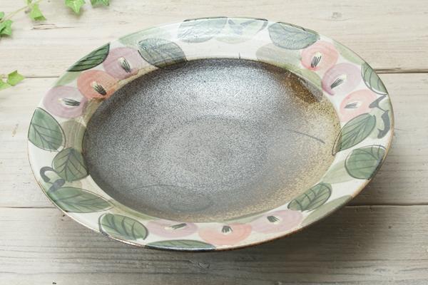 【益子焼】お料理を豪快に盛る ろくろ作りの大皿プレート 優しい風合いと色使いのつばきシリーズ 約30cm前後の大皿です【単品1枚】