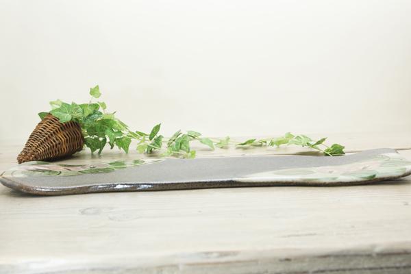 【益子焼】たたら作りのフラットなロングプレート お寿司に最適 優しい風合いと色使いのつばきシリーズ 【単品1枚】