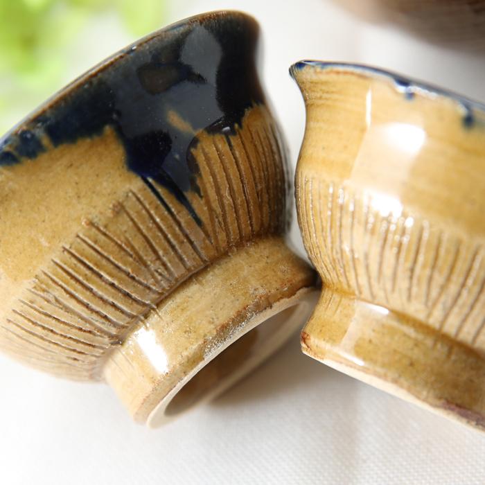 【益子焼】釉シリーズ 酒器セット 酒器揃え クシ目のデザイン 深い青のルリ色と薄あめ釉 【とっくり1本・おちょこ2個のセット】