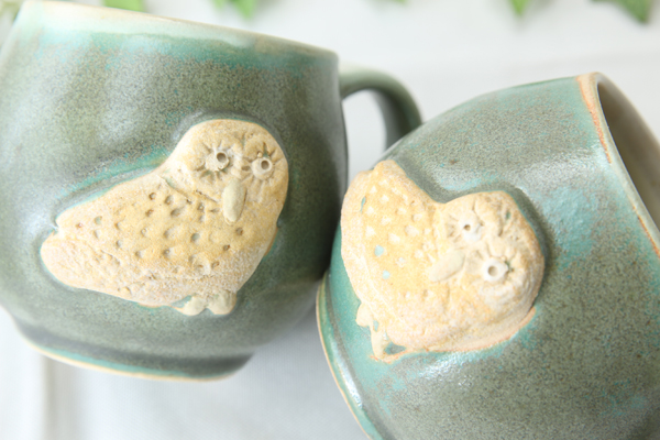 【益子焼】釉シリーズ アニマルシリーズ フクロウの大きめたっぷりマグカップ【レトログリーン・単品1個】