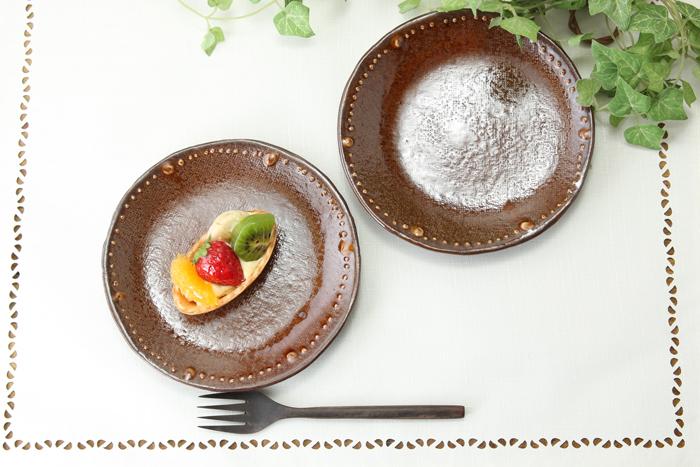 釉シリーズ☆いっちんドット柄のフラット取り皿【丸形取り皿・アメ黒・単品1枚】