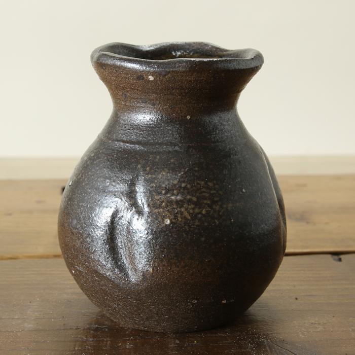 【益子焼】 花瓶 花器 フラワーベース 炭化焼無地 高さ12.5cm 壺風の花入れ 一点物 【単品1個】