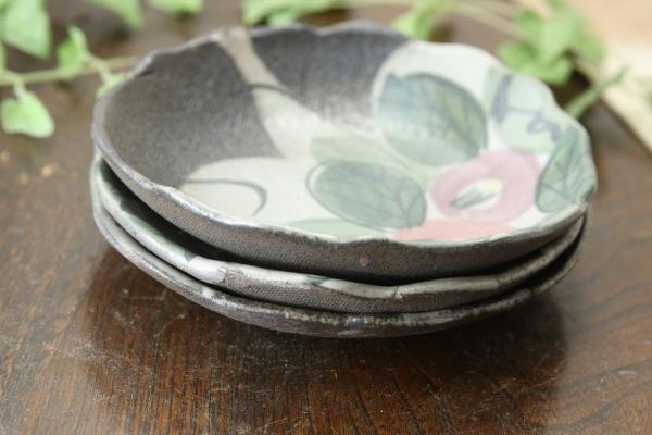 【益子焼】たたら作り 縁がポコポコ丸形取り皿 優しい風合いのつばきシリーズ【単品1枚】