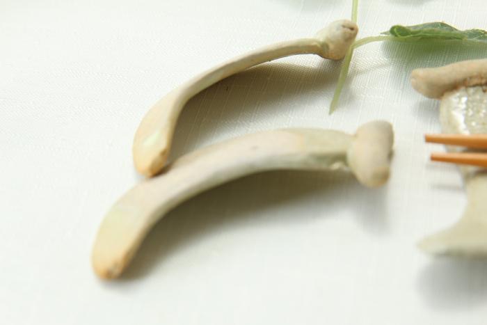 【益子焼】バナナ風 かわいい箸置き【薄黄】【単品1個】