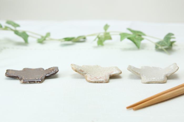 【益子焼】いっちんドット柄の十字・+の箸置き【単品1個】