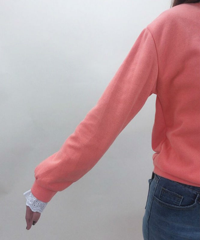 Sleeve lace combi logo sweater