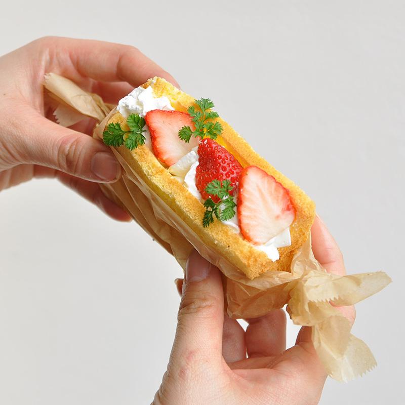 苺シフォンサンド:プレーン(受け渡しの2日前までに要予約 / ご好評につき販売期間延長)
