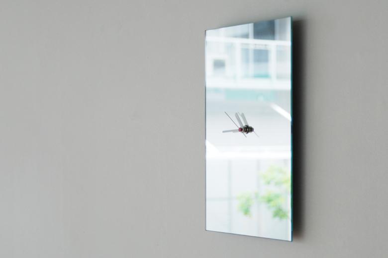 A4サイズの鏡の時計 / チャンバー・オーケストラ