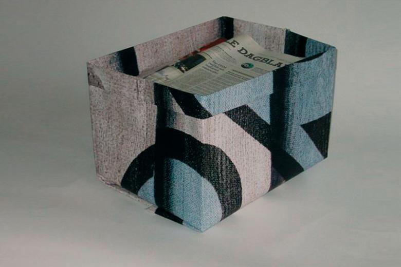 リサイクルポスターのボックス (ペーパー・ボックス) / グッズ