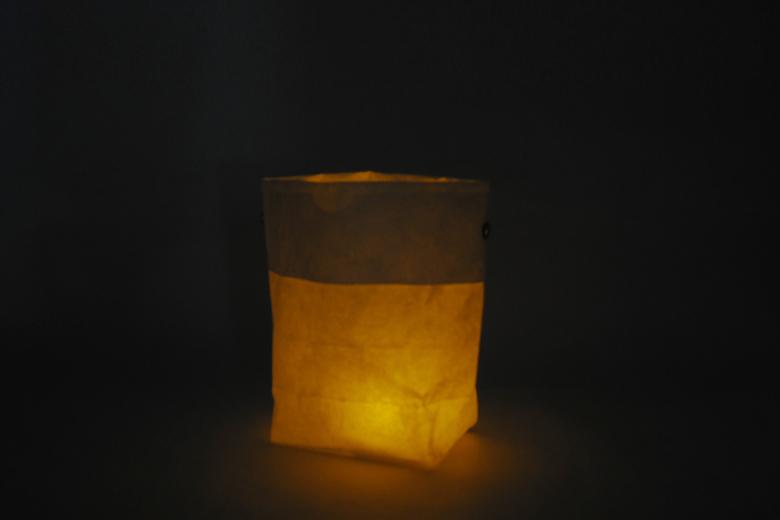 バッグ・オブ・ライト(紙袋の灯り) / ラウムゲシュタルト