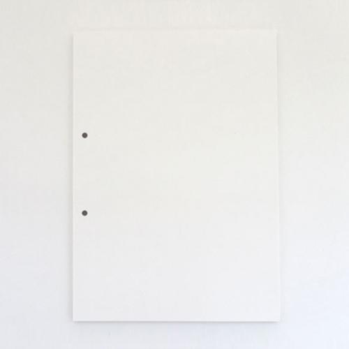 パンチ穴の描かれたA4ノート / ジョン・ヘアーズ