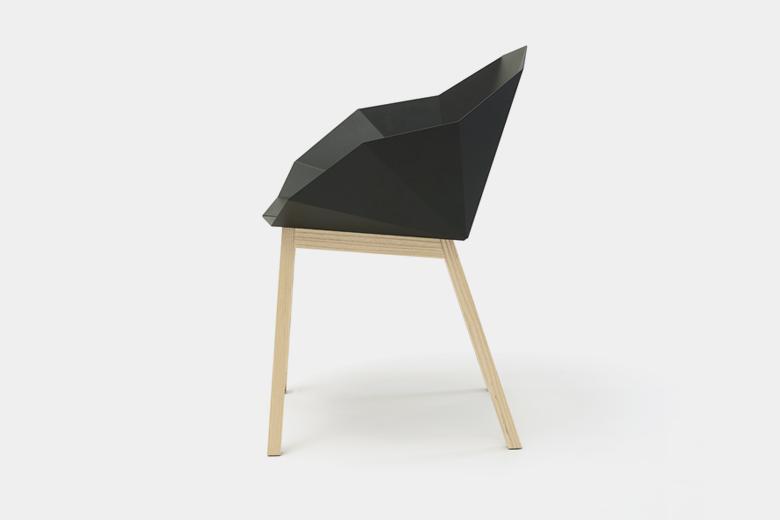 メタルシートと木脚の椅子 ベーシック ダークグレー×脚ダークアッシュ / フレデリック・ロイエ