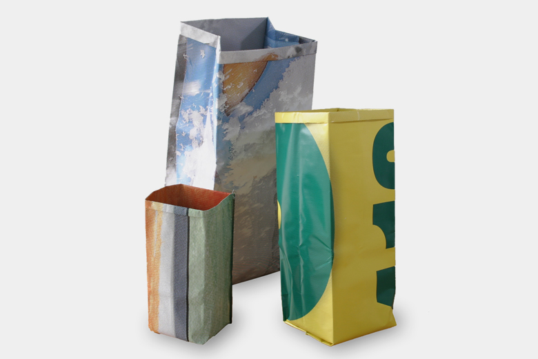 リサイクルポスターのゴミ箱 Lサイズ (ペーパー・バッグ) / グッズ
