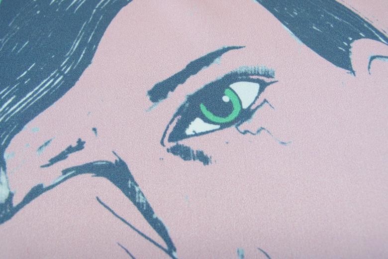 涙を拭う女のハンカチーフ グリーン(シルク100%) / カレン・マボン