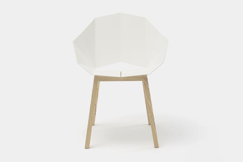 メタルシートと木脚の椅子 ベーシック ホワイト×脚ダークアッシュ / フレデリック・ロイエ