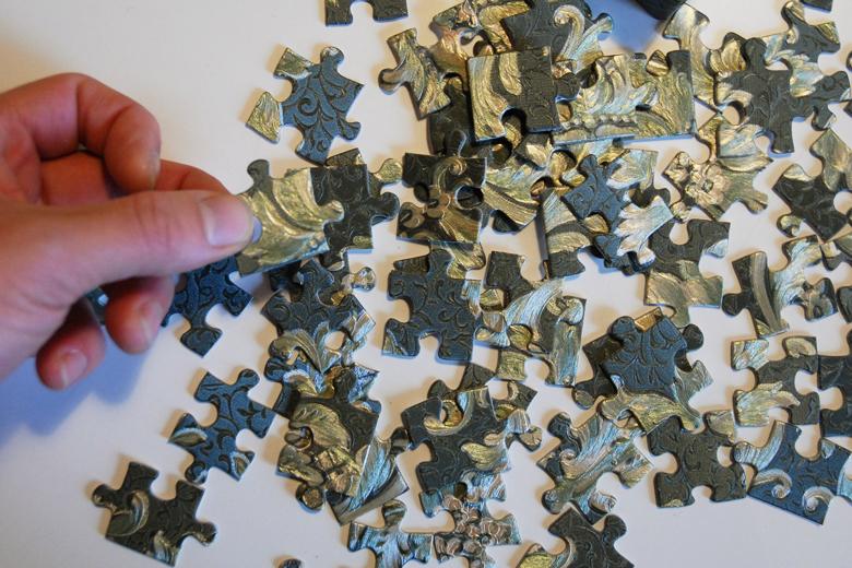 クラッシックな壁紙で作ったパズル / デタイルス・プロドゥクテ + イデーン