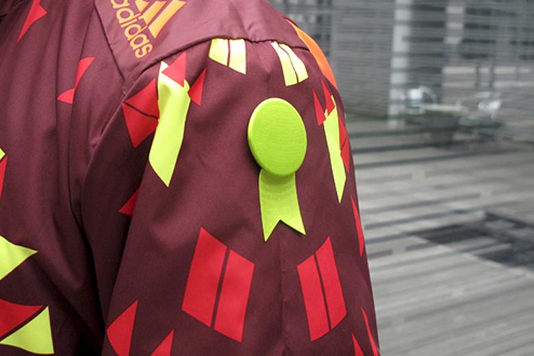 サテンの徽章のブローチ グリーン (メダル) / レババ