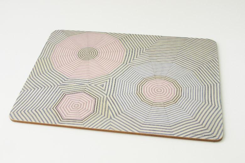 作品「Fabric Drawings」のコラージュ4種をプリントしたプレイスマット/ ルイーズ・ブルジョワ