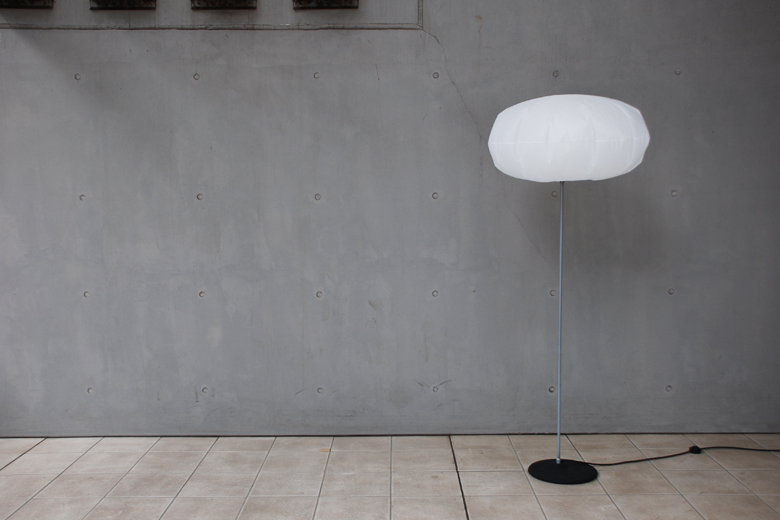 【生産終了品】02 グロブロウ・ランプ・フロア・02 / スノー・クラッシュ