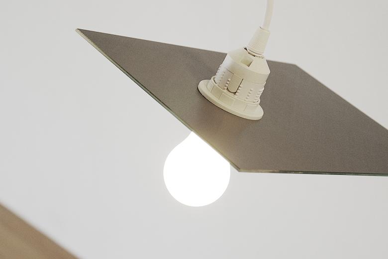 鏡像の照明 / エアコンディションド