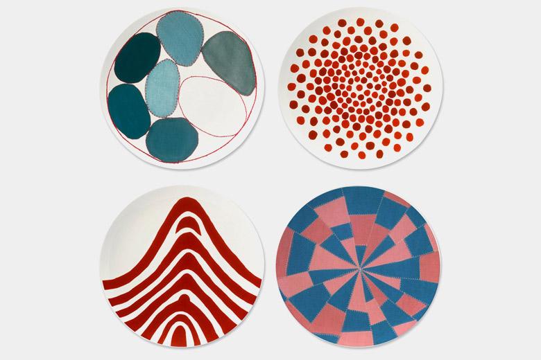 赤い点々の皿 / ルイーズ・ブルジョワ