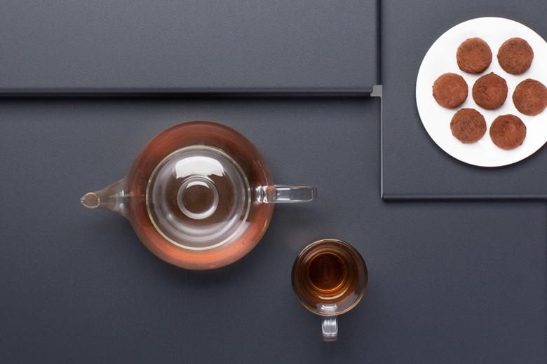 3連テーブル ダークグレー / フレデリック・ロイエ