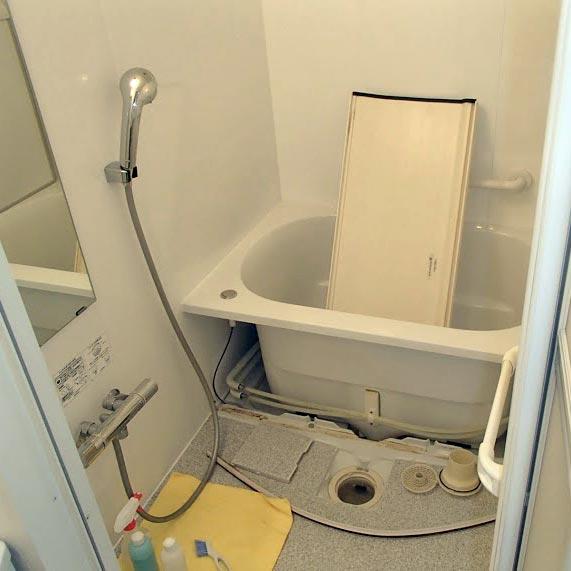 ハウスクリーニング サービス <ベーシックコース>(「キッチン・レンジフード」+「浴室」)