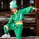 取寄せ納期約2〜3週間 送料無料 ジャージ 上下2点セット ジャケットとパンツセット ショート丈 セットアップ 長袖 ブルゾン グリーン ウィンドブレーカー スポーツウェア ボトムス パンツ ダンス衣装 キッズダンス 子供 ダンス衣装 ヒップホップ HIPHOP dance kids
