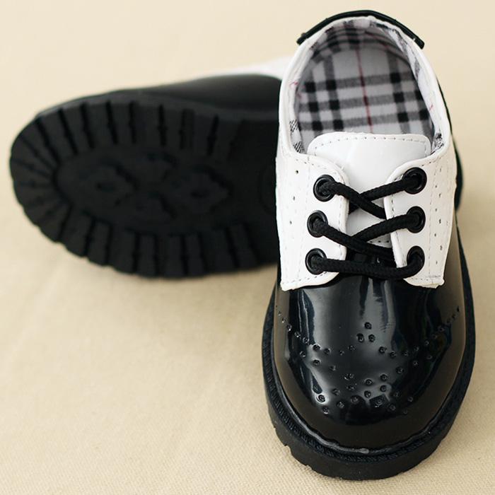 営業日は正午まで当日発送 フォーマル シューズ 男の子 フォーマル 靴 子供靴 キッズシューズ 男の子 靴 エナメル 黒色 白色 15cm 16cm 17cm 18cm 卒園式 入園式 発表会 卒業式 入学式 入園式