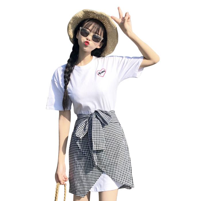 取寄せ納期約7〜14日 ジュニア服 ワンピース 腰巻き風スカート 2点セット 女の子 チェック柄 ジュニア服 チュニック 半袖 半そで オーバーサイズシャツ Tシャツ ブラック ホワイト春物 夏物 子供 子ども こども 女の子 ガールズ 高校生 中学生
