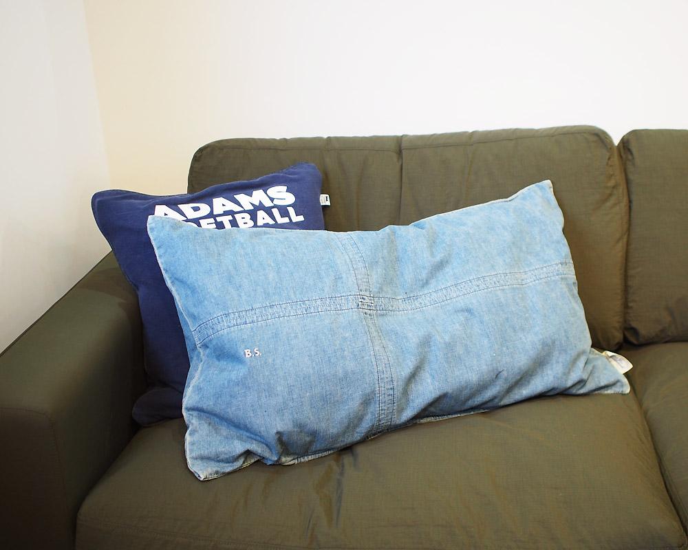 BasShu | Grandad Check Long Feather Cushion Denim ロングフェザークッション デニム