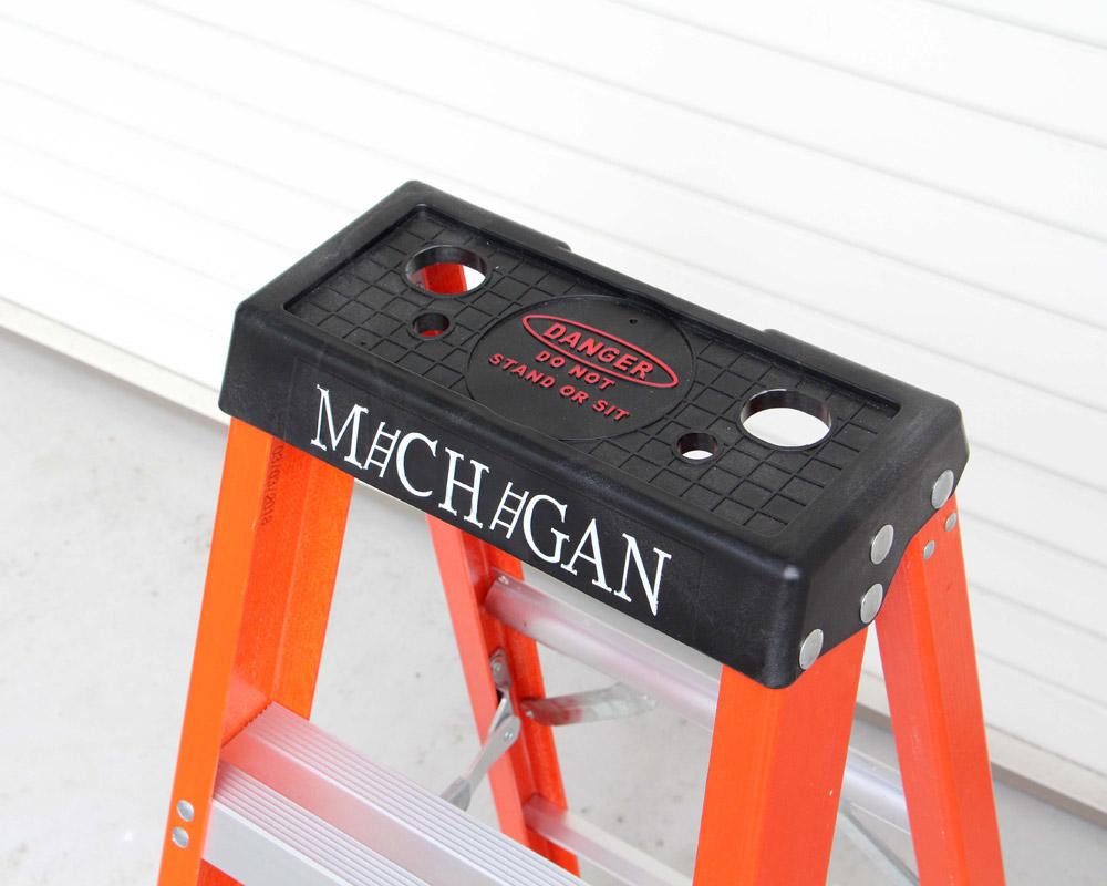 Michigan Ladder Co.    Fiberglass Stepladder Size4 ファイバーグラスステップラダー/脚立 サイズ4