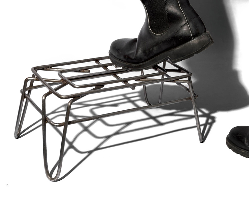 PUEBCO | WIRE STEP STOOL ワイヤーステップスツール