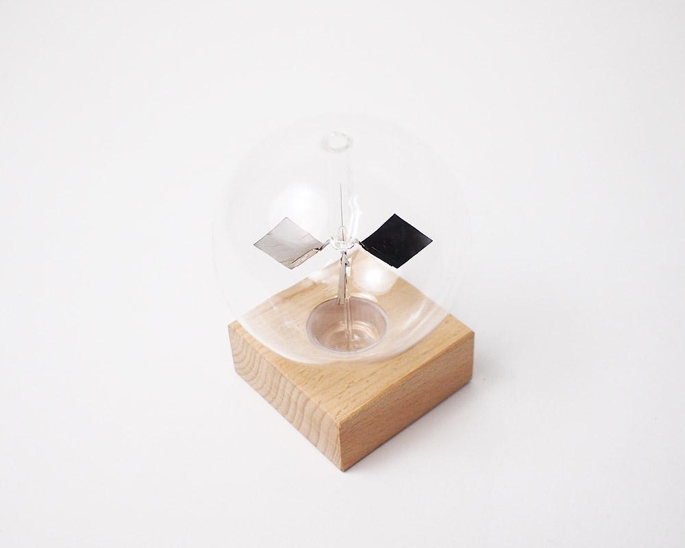 KIKKERLAND | Solar Radiometer ソーラーラジオメーター
