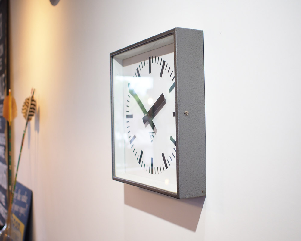 Pragotron | Square Wall Clock  ヴィンテージウォールクロック