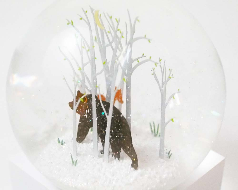 Cool Snow Globes | Snow Dome Fox and Bear クールスノーグローブス