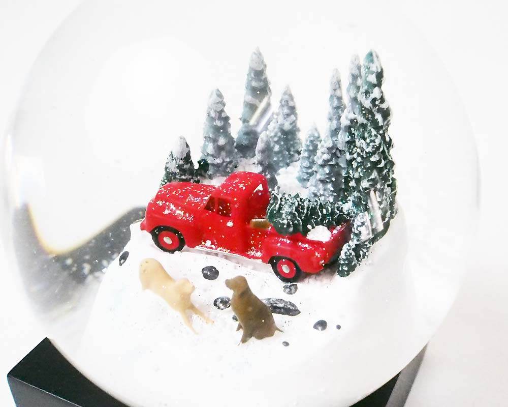 Cool Snow Globes | Snow Dome Red Truck with Dog クールスノーグローブス