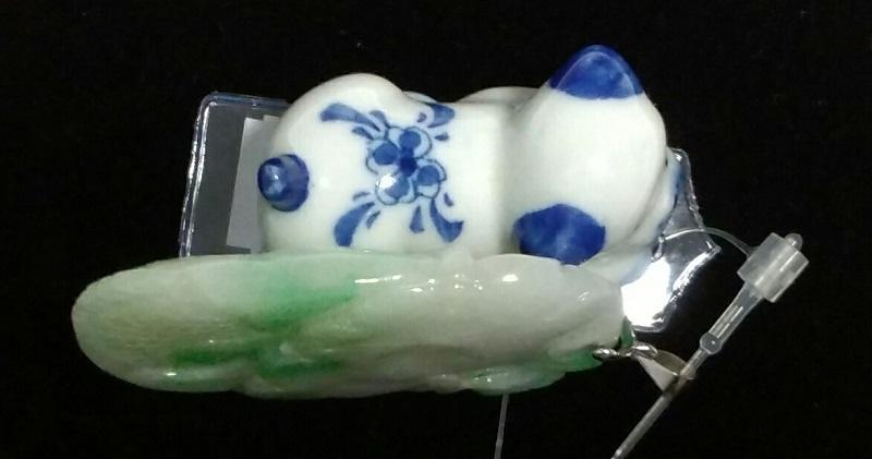 「送料完全無料!!」<br>ミャンマー本翡翠鯉彫り<br>ペンダントトップ<br>