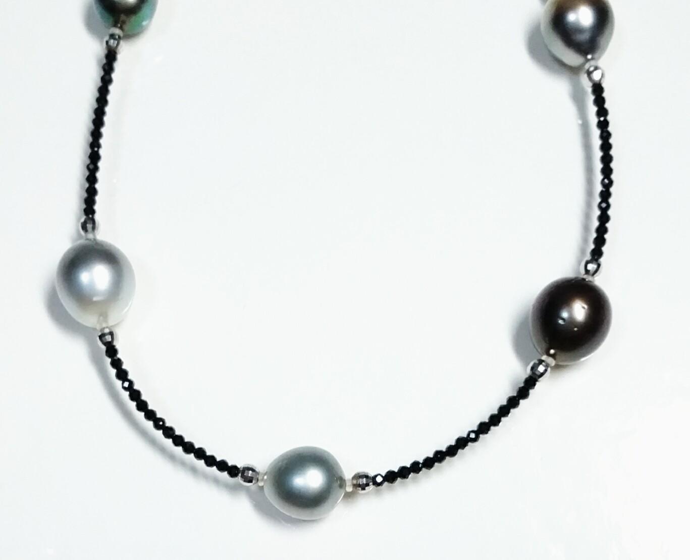 「送料完全無料!!」<br>南洋黒真珠ロングネックレス<br>細部まで美しい手作りアクセサリー<br>