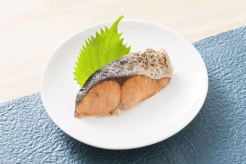お魚屋さんの定食シリーズ マスのふっくら塩焼き 68g