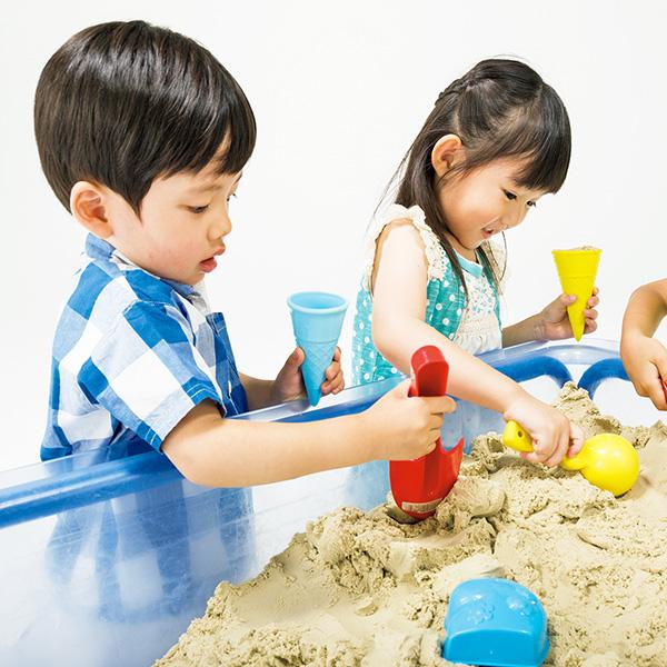 お部屋で砂遊びが出来る 室内砂場遊び・モーションサンド