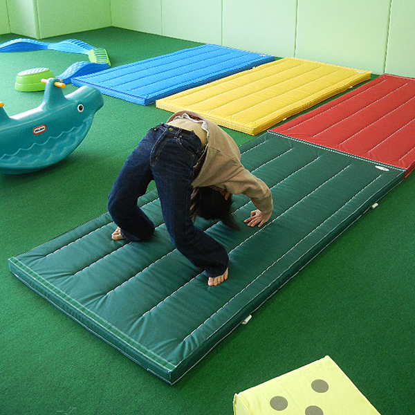 体操マット 滑り止め付 ナイロン カラーマット 体操教室や自宅などで使える カラー 体操マット SGマーク付 90×360×厚5cm