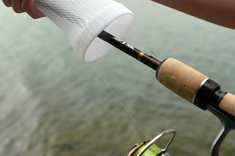 【ロゴ色・黒】Basserオリジナル/ロッドソックス/Basser Fishing Rod Soxスピニング用(ロゴ黒・本体白)