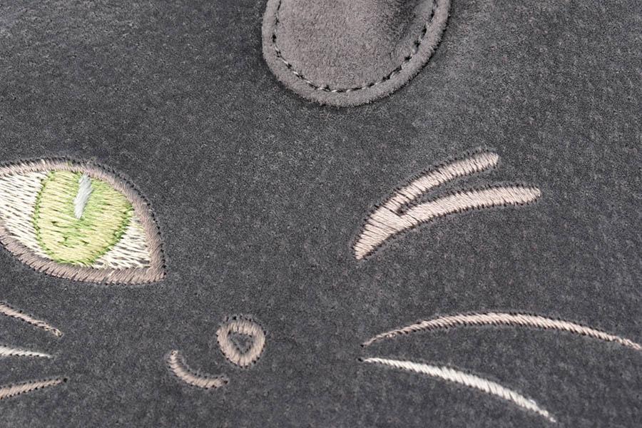 衿秀 猫ちゃんの刺繍入り 利休バック