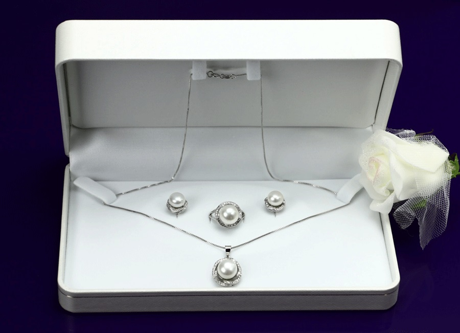 真珠ネックレス 最高級大粒本真珠9-10mm 魅惑の三点セット ホワイトカラー(真珠ペンダント,真珠ピアス,真珠リング)ウェーブリングモチーフ(冠婚葬祭 結婚式 フォーマル)